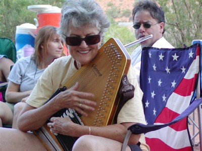 Peggy-colorado-autoharp.jpg